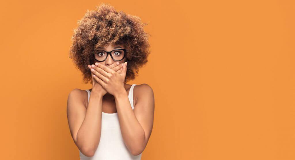 Quali sono i motivi alla base dell'ingiallimento e delle macchie dei denti E come puoi intervenire