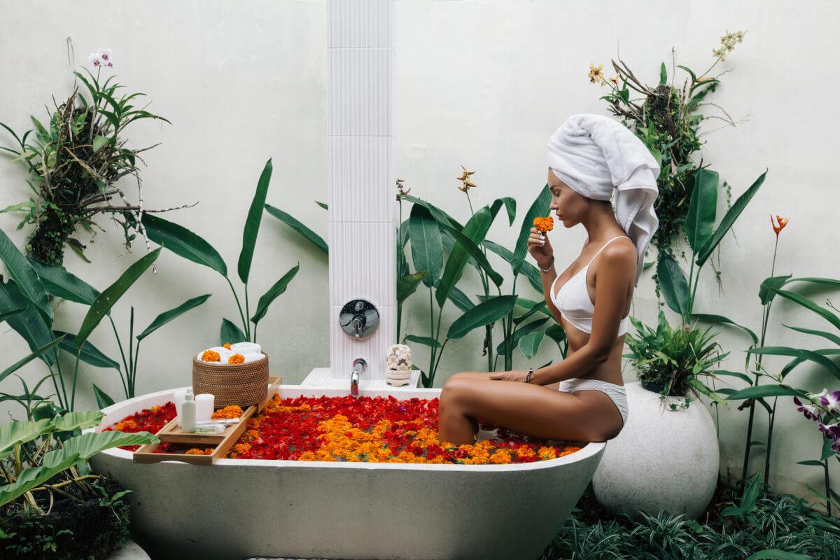come ayurveda, medicina tradizionale cinese e naturopatia vedono i capelli
