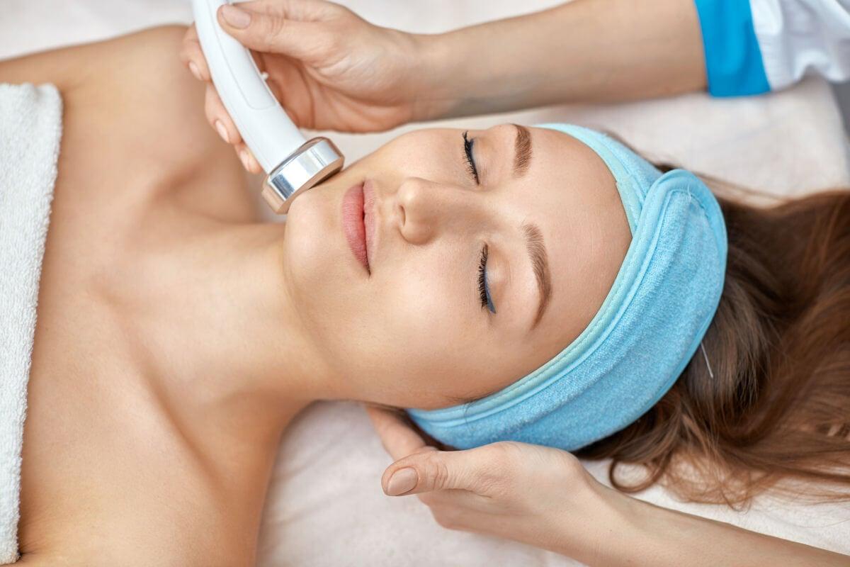 8 benefici estetici che puoi ottenere con gli ultrasuoni