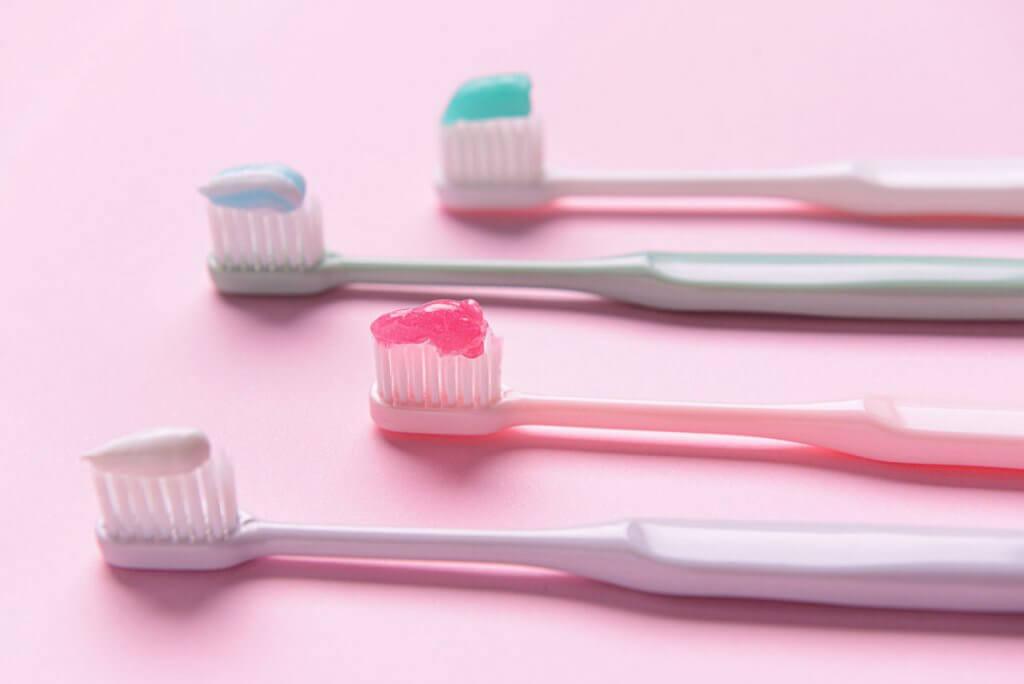 GLi 11 migliori dentifrici sbiancanti