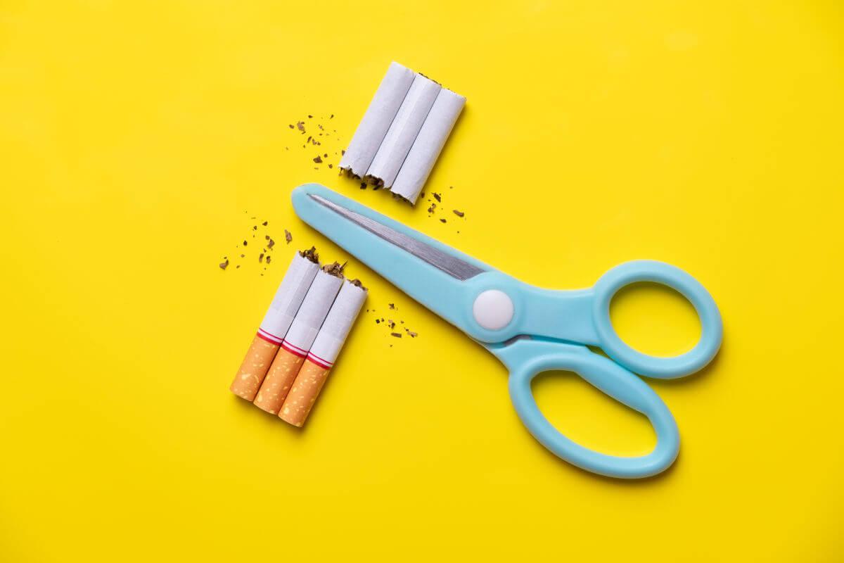Il fumo non macchia i denti