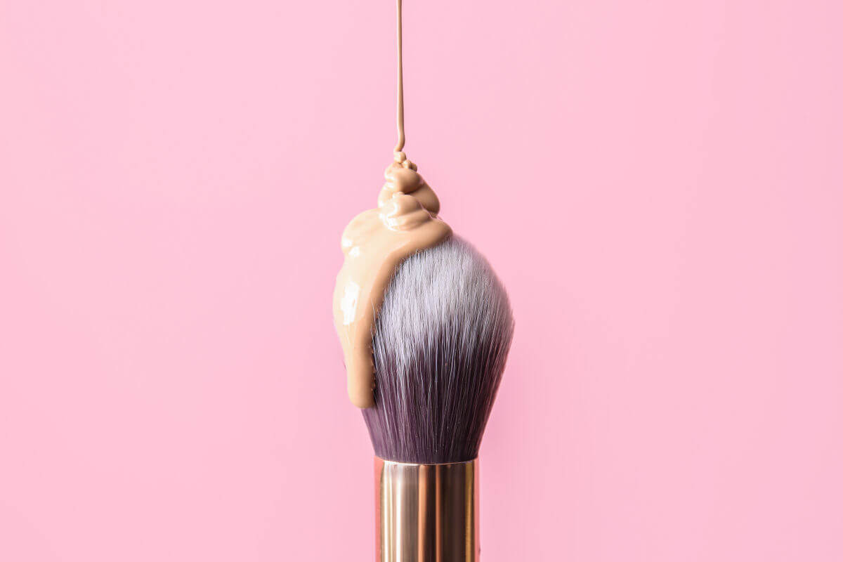 Il make-up per coprire gli inestetismi della pelle