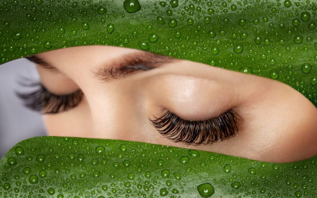 Il mascara waterproof danneggia le ciglia