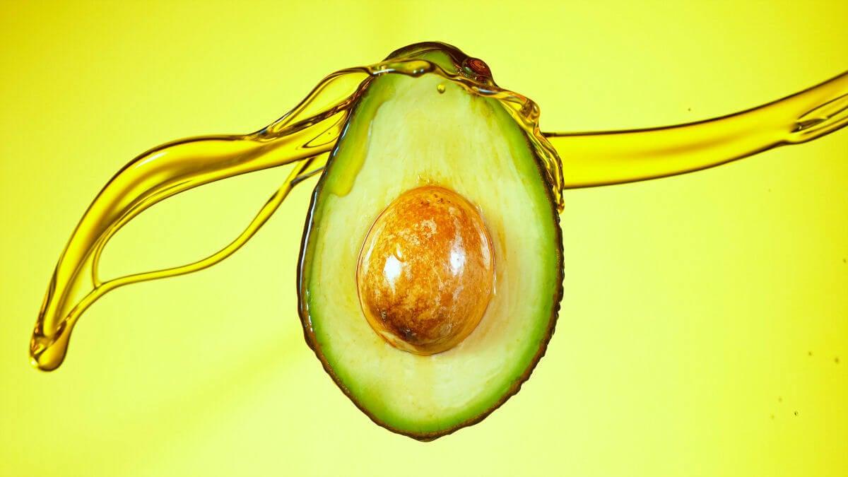 Maschera con olio EVO e avocado