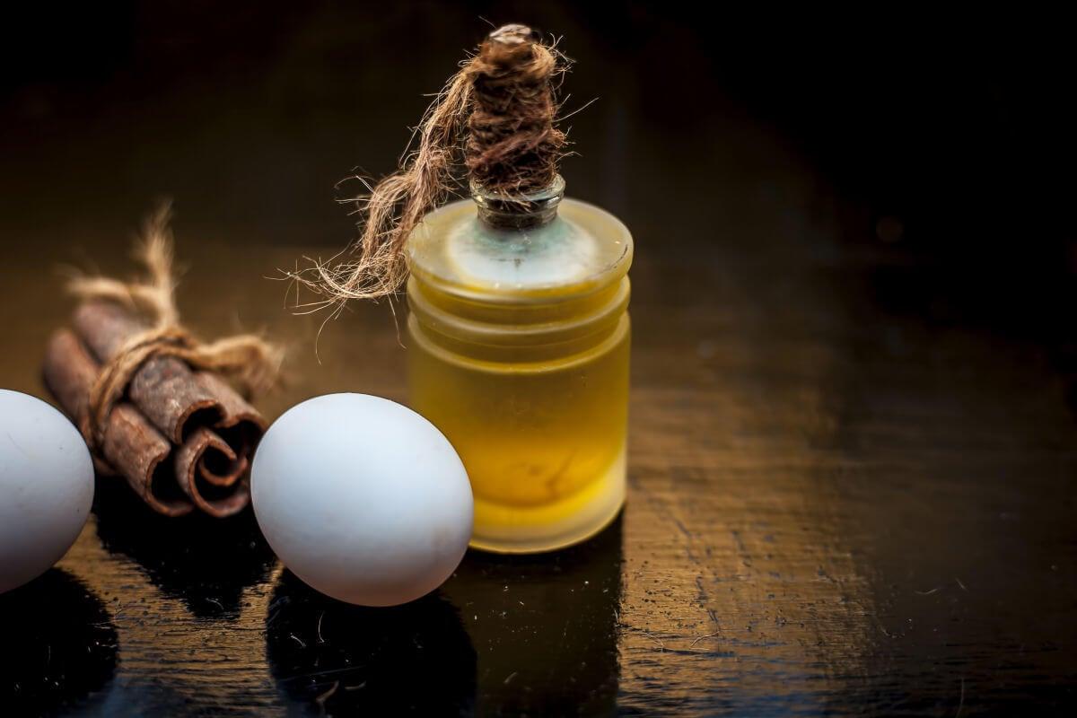 Maschera con uovo, aceto e olio EVO