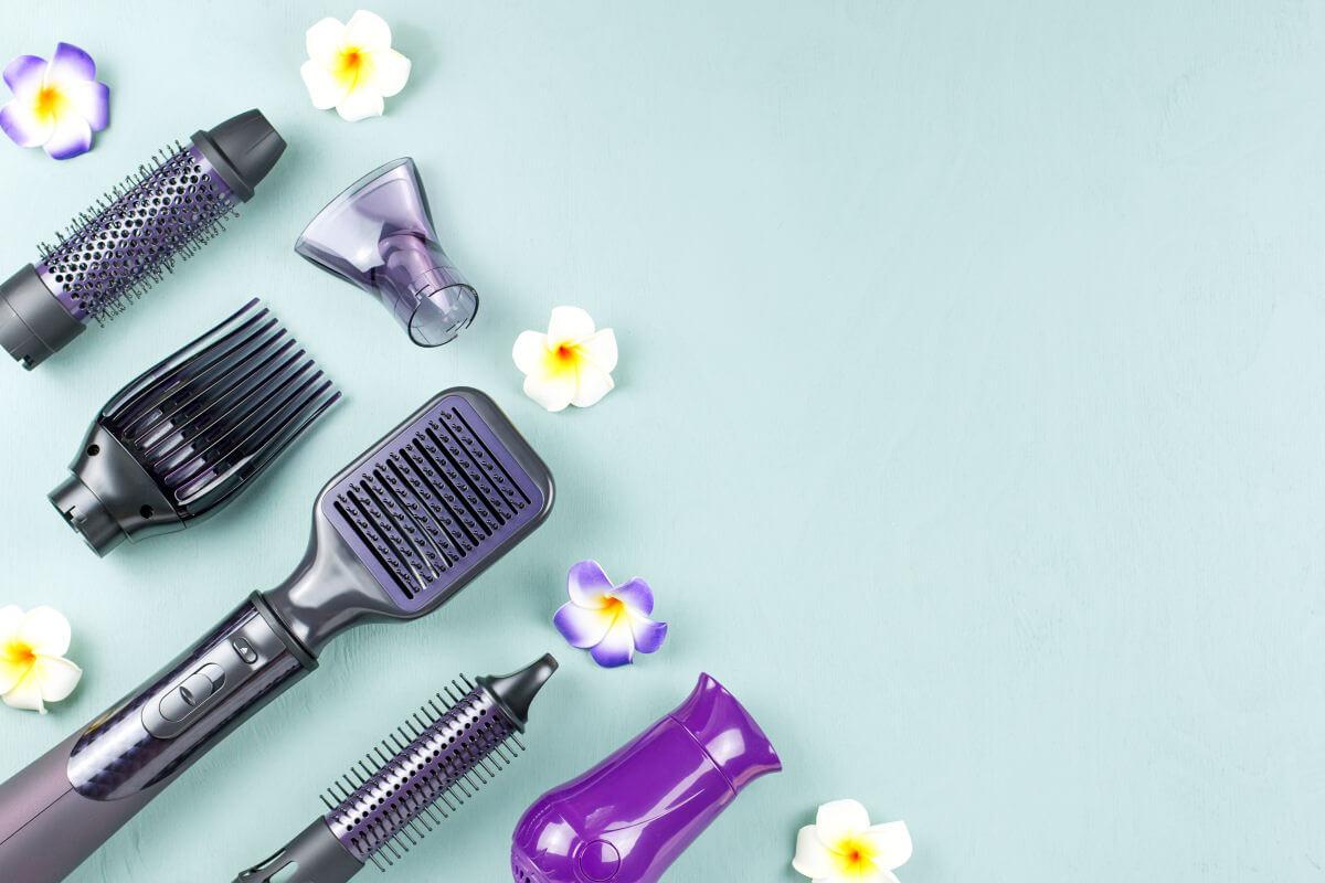Piastra per capelli e spazzola elettrica lisciante