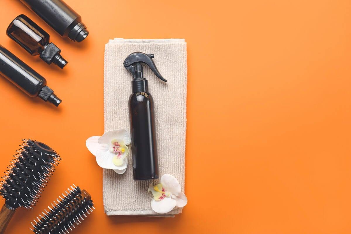 Quali prodotti si possono usare per proteggere i capelli e facilitare la stiratura
